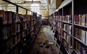 biblioteca derruida